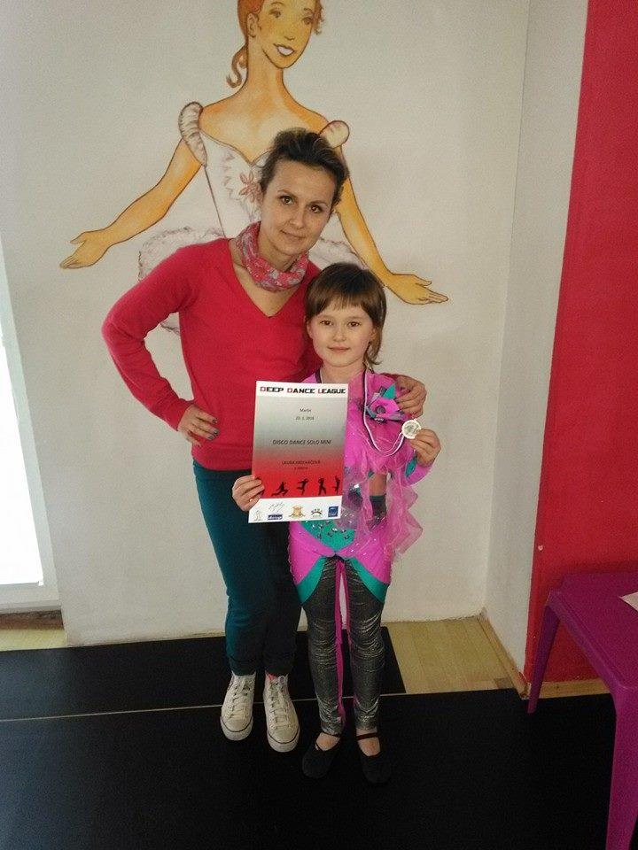 Zlatá medailistka Laura Krecháčová s trénerkou Mirkou Berešíkovou